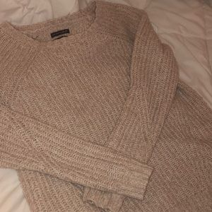 American Eagle pale pink sweater